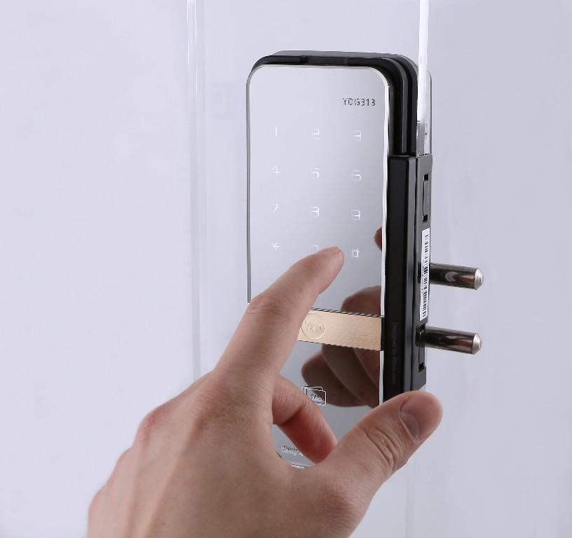 Cerrojo digital yale ydg313 l der mundial en cerrojos - Cierres para puertas de aluminio ...