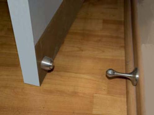 Assa abloy poli yale soluciones para apertura de puertas - Topes para puertas ...